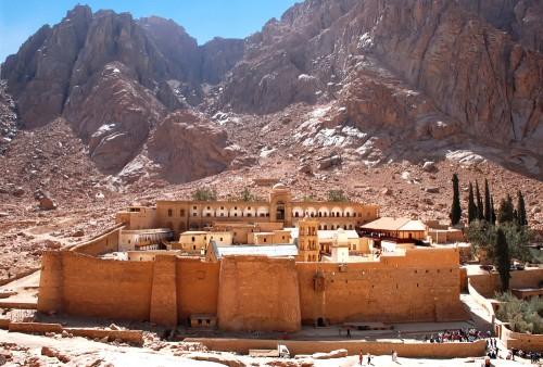 inspirichcom-st__catherine's_monastery_library_south_sinai_egypt-56d03d5fa40e0
