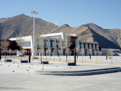 inspirichcom-lhasa_train_station_tibet-56d03dff6c900